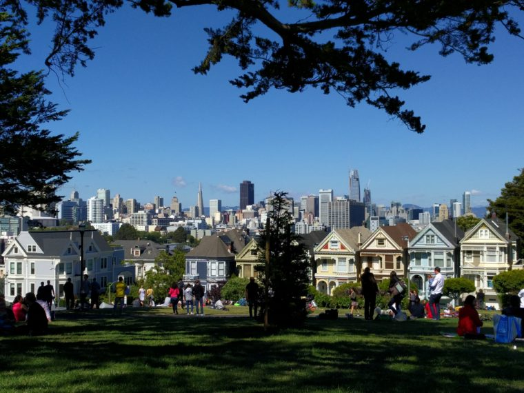 sf-alamo-square-painted-ladies-skyline-c-w-bound