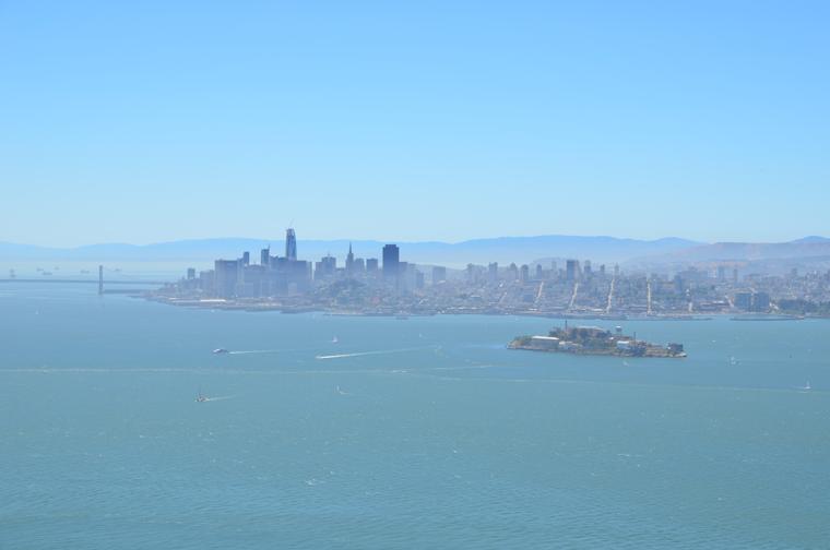 AI-skyline-SF-alctraz-c-w-bound
