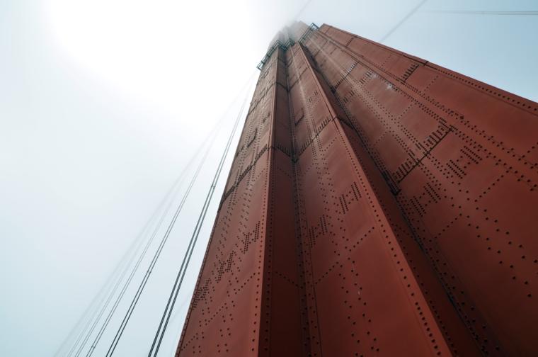 sf-ggb-tower-fog-c-w-bound