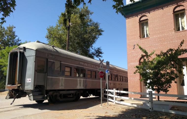 sacramento-old-sac-train-c-w-bound
