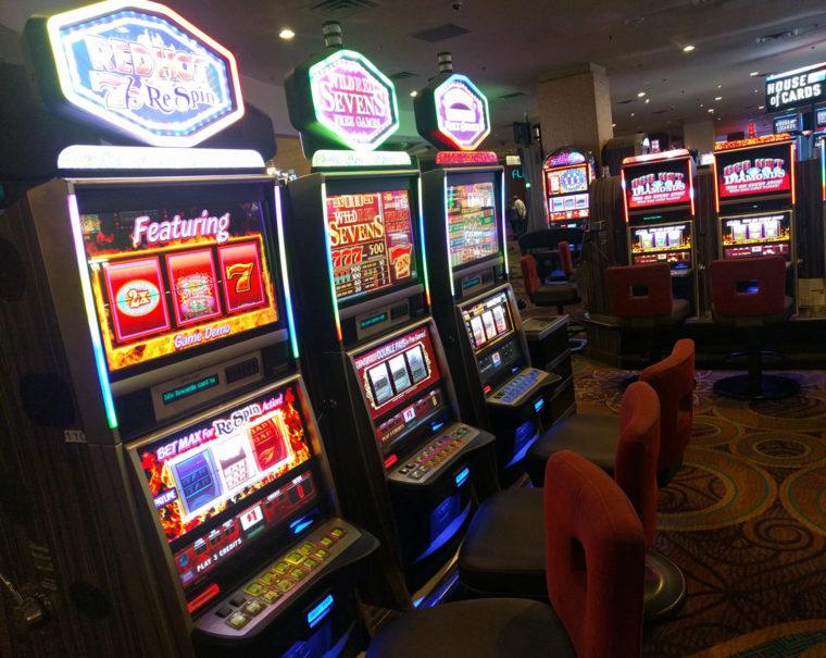 lv-louxor-casino-slotmachine-c-w-bound