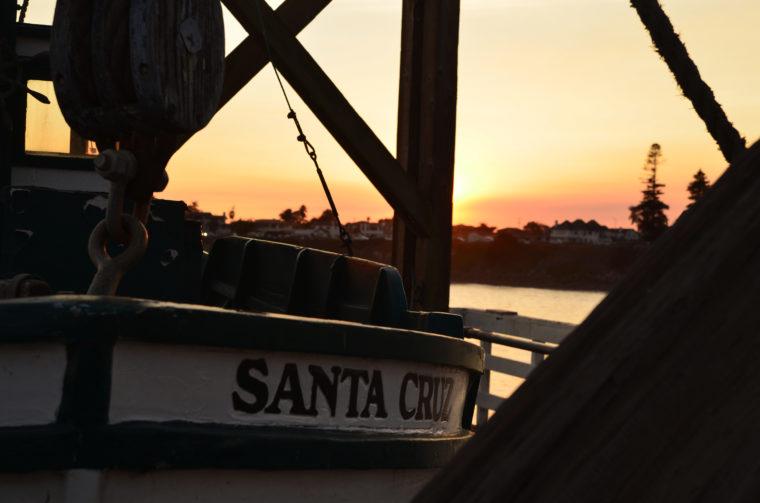 santa-cruz-sunset-boat-c-w-bound