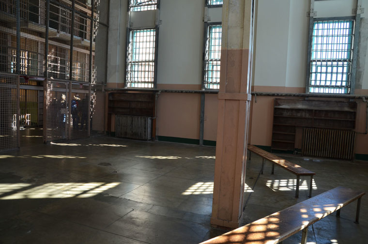 Alz-prison-library-c-w-bound