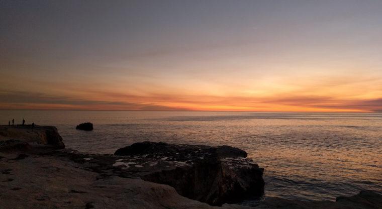 santa-cruz-sunset-rocks-people-c-w-bound