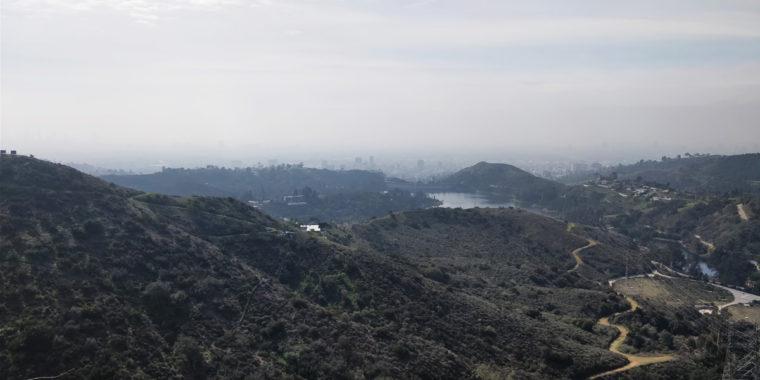 LA-HLW-hike-view-c-w-bound