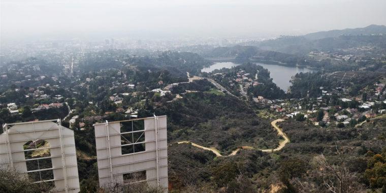 LA-HLW-hike-behind-c-w-bound