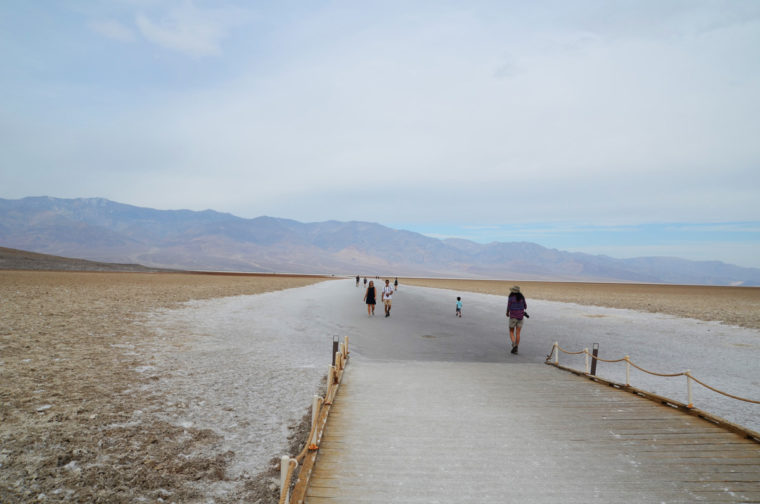 DeathValley-badwater-people-c-w-bound
