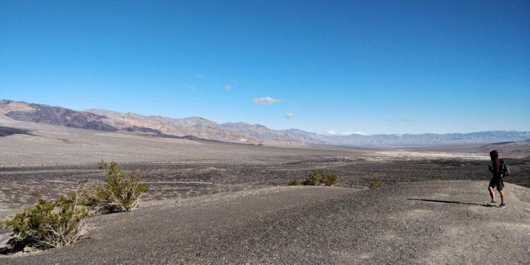 DeathValley-Ubehebe-crater-bastien-c-w-bound