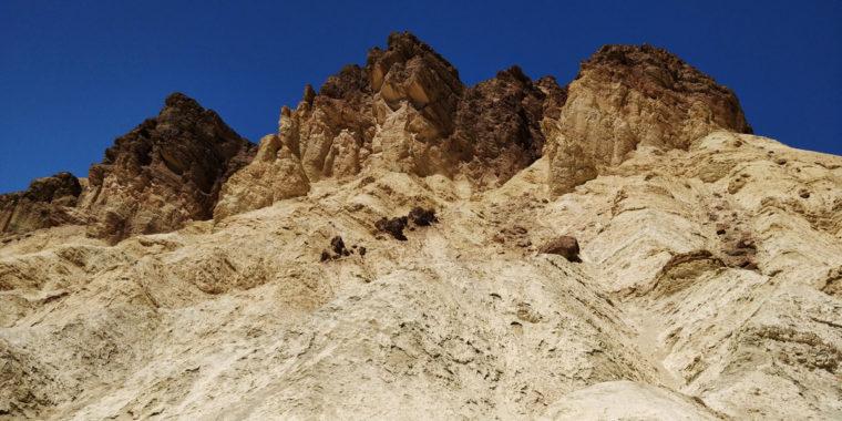 DeathValley-Golden-Canyon-peak-c-w-bound